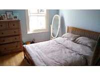Large double room to rent in Balham with own bathroom