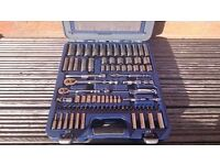 """snap on , Blue Point 100 piece ¼"""" and 3/8"""" Dr. General Service Set 2100MBPGSSUK"""