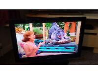 """SAMSUNG 32"""" HD LCD TV (FREEVIEW)"""