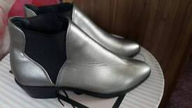 NEW BOOTS SILVERY GREY SIZE 4