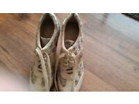 Guess Golden size 4 shoes