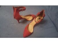 Size 9 ladies red heels