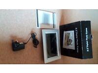 "silver 8.5"" digital photograph frame"
