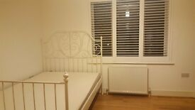 Big Spacious double room in New Malden.