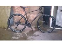 Specialized Crosstrail Sport bike used 6 months only + 4 tyres and accessories