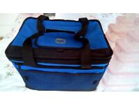 GENUINE, LOCK&LOCK INSULATED COOL BAG WITH CARRY HANDLES
