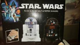 Star Wars R2-D2 and R2-Q5 salt and pepper shakers