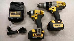 DeWALT Hammer Drill and Impact Driver 3.0Ah Combo Set