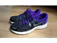 Girls Nike trainers size 5