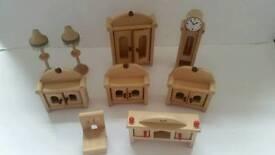 Bundle of wooden dolls house furniture