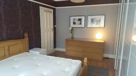 BIG ROOM TO LET,VICTORIAN HOUSE SHARE WITH GARDEN,ALL BILLS INCLUDED,FULLY FURNISH.