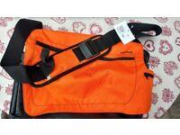 """NEWFEEL Backenger 20L Laptop Messenger Bag/Backpack for laptops up to 15,4"""""""