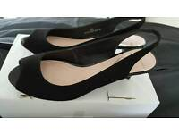 Shoes size 5.5