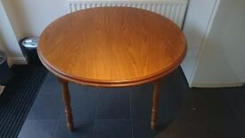 Dinning table Oak 4 of 6 seater