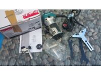 MAKITA RT0700 1/4 Inch 700w Router/Trimmer-240V