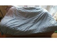 Single Duvet 4.5 tog with blue check cover