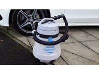 HOOVER AQUAMASTER WET AND DRY VACUUM VERY POWERFUL IN GOOD WORKING ORDER COULD DELIVER LOCALLY.