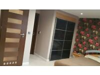 PERIVALE LARGE ROOM WITH OWN BATHROOM