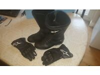Alpinestars Motorcycle Boots and Gloves Boots size 43 and Gloves L