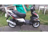 FOR SALE, 14 PLATE SINNIS HARRIER 125CC SPORT SCOOTER