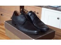 Mens black leather shoes size 10 (44)