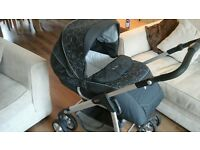 Silver Cross Parm / Pushchair Excellent Condition with car seat foot muff rain cover and bag