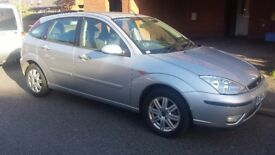 FORD FOCUS GHIA 1.6 .LADY OWNER