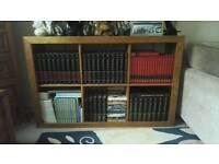 Encyclopaedia Britannica x75 books