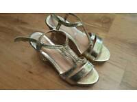 Woman's new platform sandals