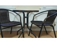 METAL / GLASS GARDEN TABLE & 2 CHAIRS SET