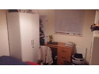 Double room in a shared house of 4 available from 6th April