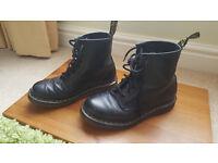 Original Dr Martens 8 eye black leather boot