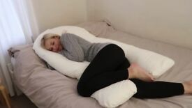 Pregnancy body pillow - excellent condition