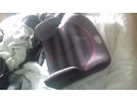 2 kids car seats selling them both for £15 the pair they are brand new