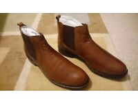 MENS CHELSEA/DEALER BOOT TAN LEATHER Size 9/43 New Boxed.