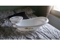 Mamas & papas baby bath & top& tail bowl in very good condition from a smoke & animal free home