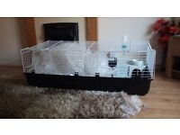 140cm brand new rabbit cage, excellent condition. Arrived and i dont like it.