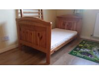 Heart cot bed