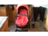 GRACO PRAM AND 1ST SIZE CAR SEAT WITH BASE.