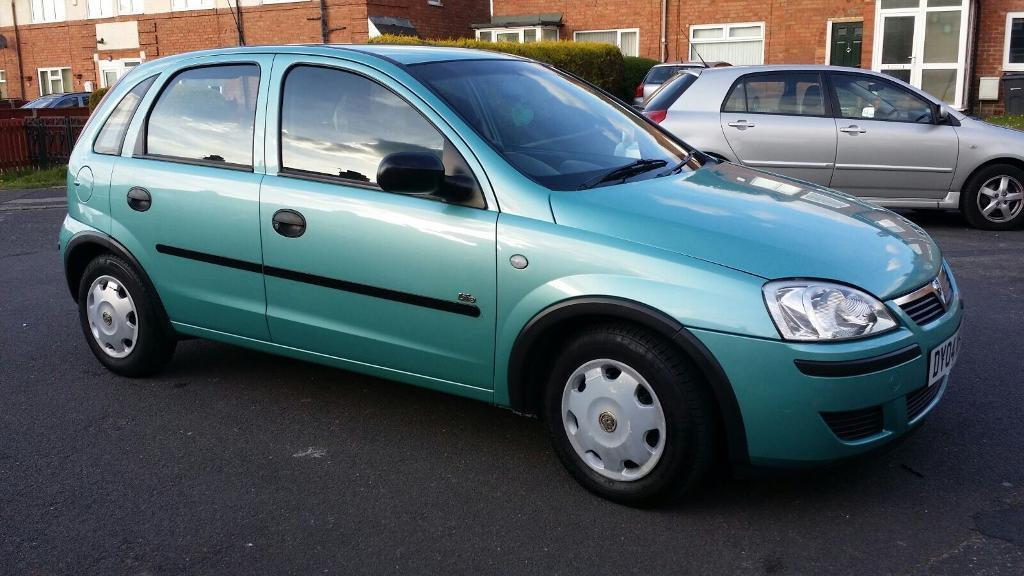 vauxhall corsa 2004 automatic in hall green west midlands gumtree. Black Bedroom Furniture Sets. Home Design Ideas