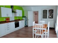 Superb Large 2 Bed Furnished Flat in Eversley Road, Sketty