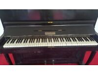 Upright Dale Forty piano