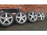 225/45/17 For sale 3 wheels good condition 1is broken check in picture