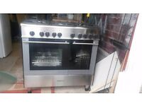 Black and sliver kenwood free standing range style cooker