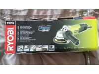 Ryobi EAG75RS Angle Grinder with 3 spare cutting/grinding discs