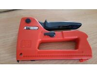 Tacwise data cable tacker / stapler, virtually brand new, comes with box of staples