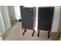 WARFEDALE DOVEDALE 3 + Matching stands on wheels - near mint