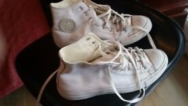Converse ALL STAR in soft leather only 8£!!!!! size 8