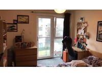 Student let - En-suite double bedroom in Tollcross