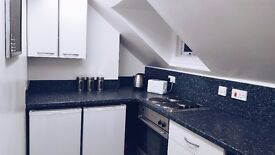 1 BED APARTMENT - NO DEPOSIT - NO FEES ... some bills included ... Ref: WH6